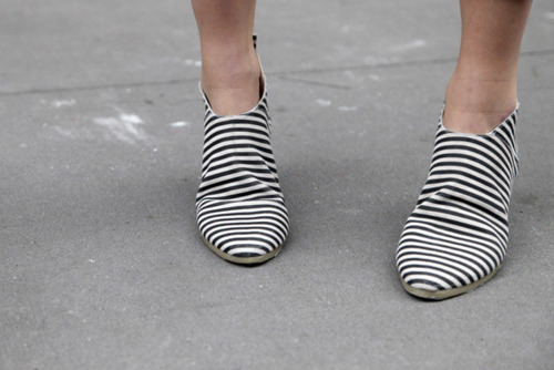 Annitian Striped Booties