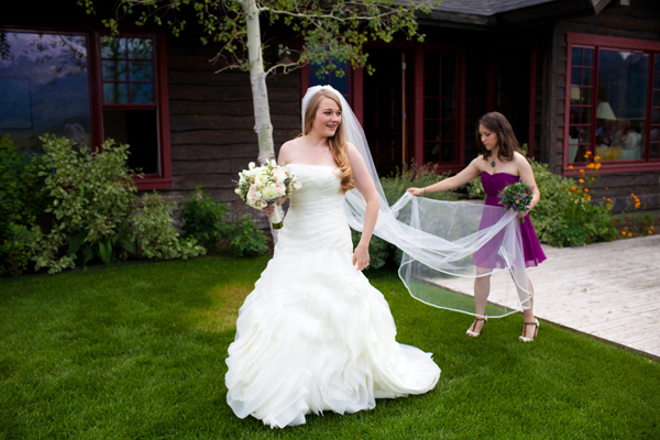 helpful bridesmaid